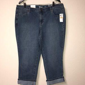 Style & Co, Midrise Denim Capri Jeans size 16W